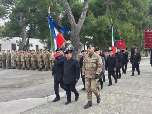 """Cambio di consegne al 9° Reggimento Fanteria """"BARI"""" a Trani"""